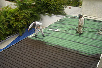 AIRLESS ROOF SPRAY.